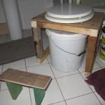 yeay, ons compost-toilet heeft een upgrade gekregen