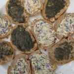 marjolein pesto en bloesem-boter (de boter is van een lokale hoeve en de bloesems uit de tuin)