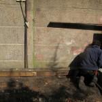 de terrasplanken hergebruiken om kabels veilig te verstoppen